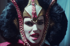 Natalie Portman hilariously defended the Star Wars prequels on Saturday Night Live