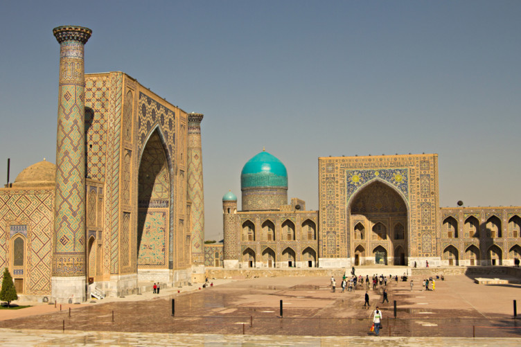 A fragment of Registan Square Mosque and Madrasah complex in Samarkand, Uzbekistan.