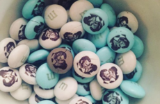 Kate Beckinsale used M&Ms to troll Sarah Silverman about her break-up with Michael Sheen