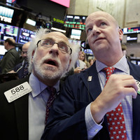 Wall Street, we have a correction: The Dow Jones is plummeting again