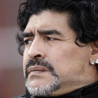 Maradona attacks Pele, compares himself to Bono