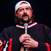 Kevin Smith says he had a 'massive' heart attack after a show last night