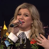 Kelly Clarkson performed a Google-Translated version of her song, and it's still a banger