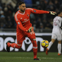 AC Milan's teenage 'keeper told to leave by his agent amid interest from Barca