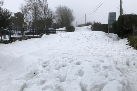 Snow on Cromwellstown Road in Kilteel, Kildare