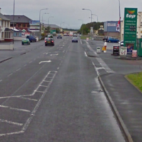Driver arrested after car hits pedestrians in Donegal, killing one man