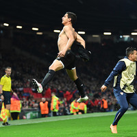 Sevilla late show sees lacklustre Man United crash out of the Champions League