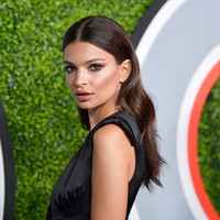Emily Ratajkowski has been tweeting about a secondary school in Bantry, Cork ...it's The Dredge
