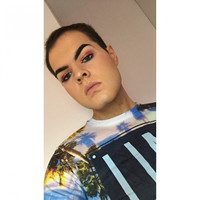 What's in my makeup bag? Conor Herron (Conor MUA)