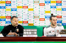 Wales boss Giggs tells Bale to stay at Real Madrid and win trophies