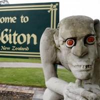Kiwis rejoice as PM says Hobbit is staying put