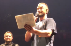 Justin Timberlake stopped his latest concert to help a fan announce her pregnancy
