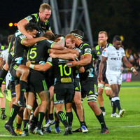 Sharks show their teeth again, but fall to dramatic 85th minute Hurricanes try