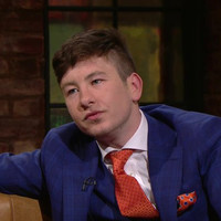"Barry Keoghan explained how Colin Farrell has ""kept him on track"" on the Late Late"