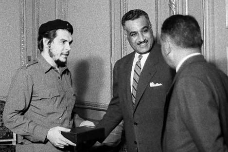 Che Guevara meets Egyptian President Gamal Abdel Nasser in Egypt in 1959