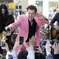 There's some serious drama kicking off over the queue outside Harry Styles' Dublin gig