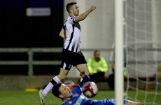 Leaders Dundalk stroll past Limerick to maintain two-point cushion