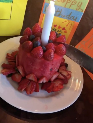 So, Victoria Beckham's birthday cake was literally just a melon and some strawberries