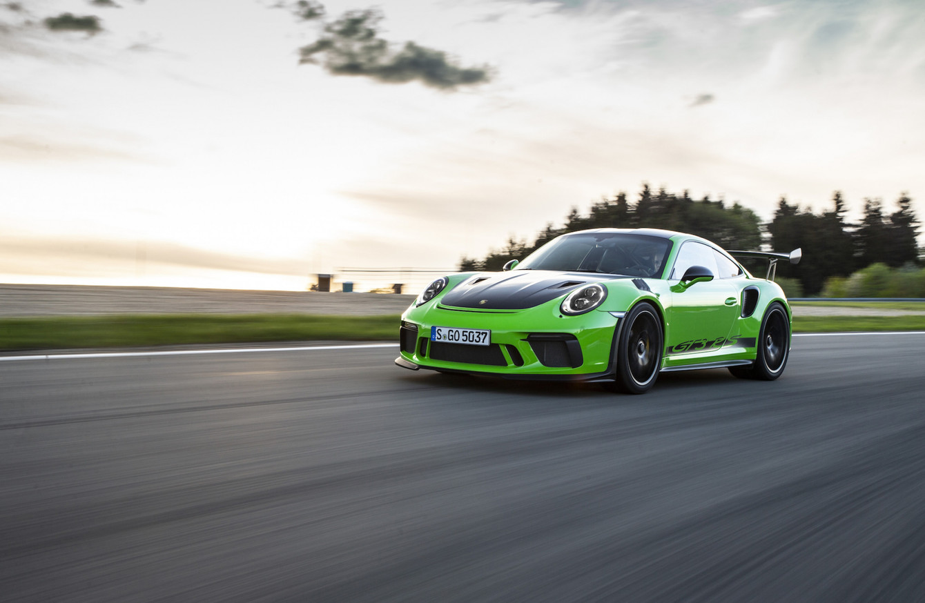 Review We Drove The Intoxicatingly Quick Porsche 911 Gt3 Rs And Went Very Very Fast