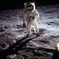Amazon founder 'locates lost Apollo 11 rockets'