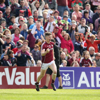 Late Heaney goal secures victory in Connacht for Galway against 14-man Mayo