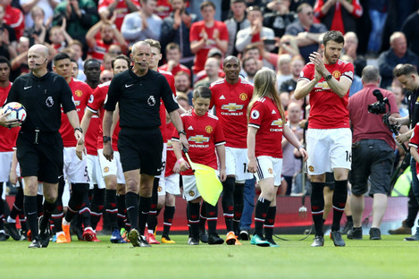Michael Carrick leads Manchester United out against Watford