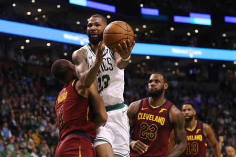 Marcus Morris drives to the basket.