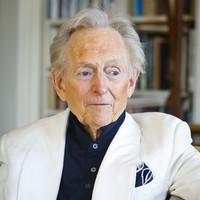 'Bonfire of the Vanities' author Tom Wolfe dies aged 88