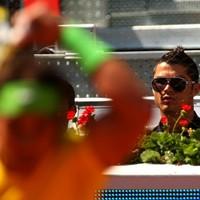 Country Club Chaos: Ronnie challenges Rafa to football-tennis battle