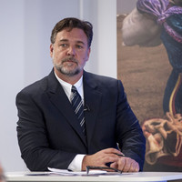 Russell Crowe has backed Saoirse Long in calling for a Yes vote