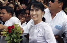 Aung San Suu Kyi claims victory in Burma election