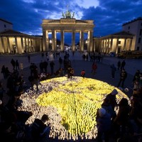 World landmarks dimmed for Earth Hour