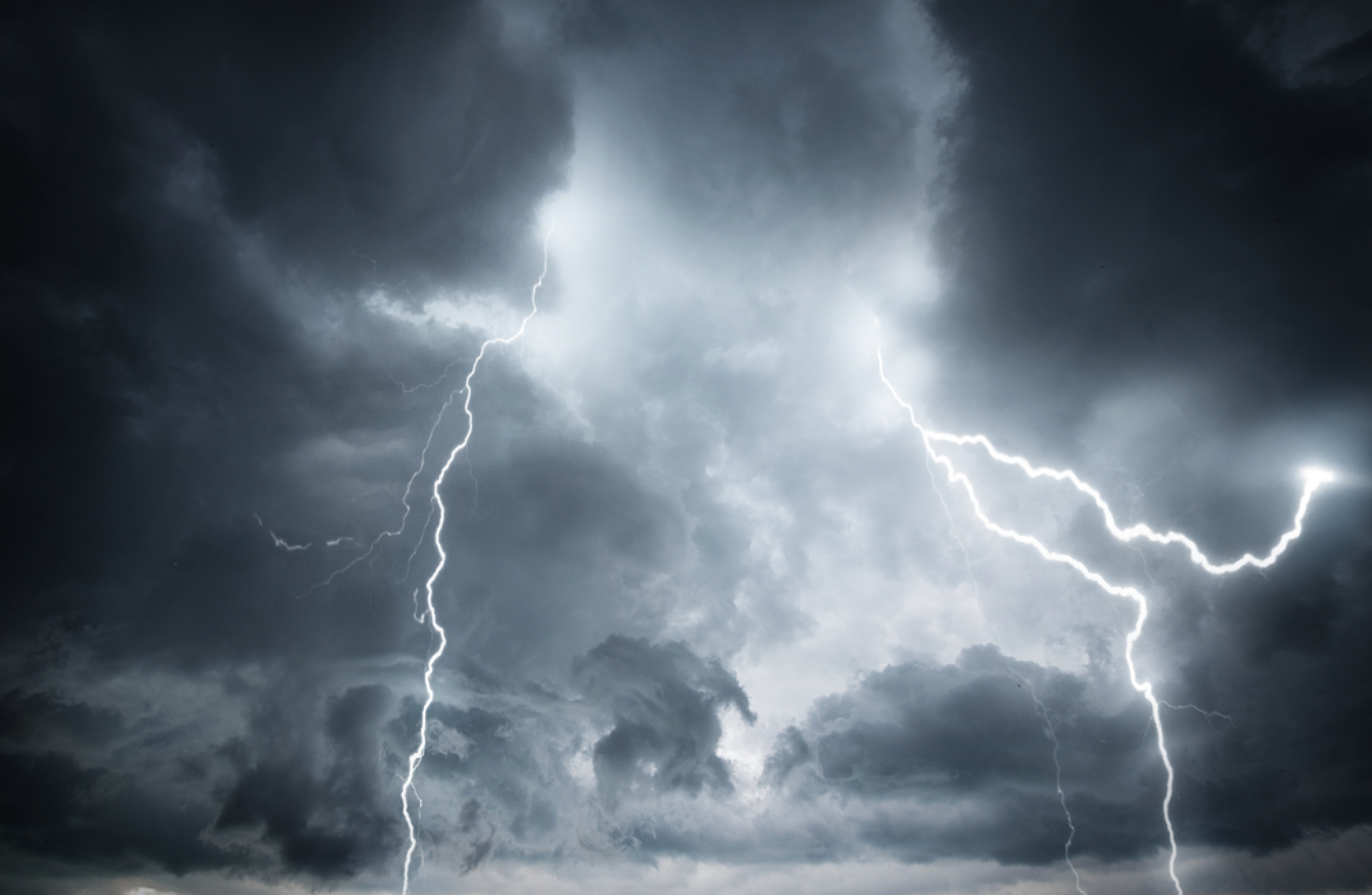 Did you have a thunderstorm The dream interpretation will tell you what to prepare for