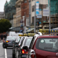 Hoteliers say taxis should be forced to offer card payments as a 'basic service'
