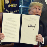 'I didn't like the sight of families being separated': Trump signs order to end family separations