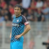 Ex-Barcelona midfielder Van Bommel handed PSV job as Cocu leaves for Fenerbahce