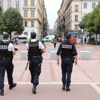France arrests 10 far-right suspects over alleged plot to attack Muslims