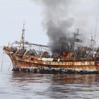VIDEO: 'Ghost ship' from Japanese tsunami sunk by cannon