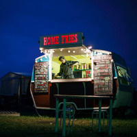 Secret recipes, live lobsters, and 20-hour days: A day in the life of a festival food truck