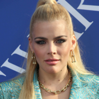 Twitter is rallying around Busy Philipps after Chrissy Teigen DM'ed her by mistake