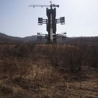 VIDEO: North Korea prepares to launch long-range rocket