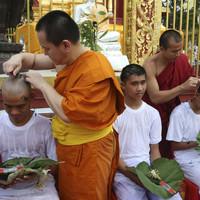 Thai soccer boys' heads shaved for Buddhist ordination