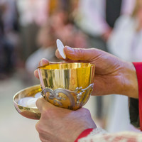 4,000 Eucharistic ministers who are 'steady on their feet' needed for Pope's Mass