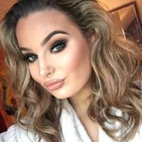 What's in my makeup bag? Hannah Noone
