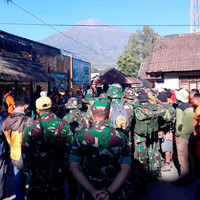 Over 500 hikers stranded on mountain after landslides in Indonesia