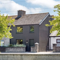 Grand Canal views for €600k in this totally revamped period property
