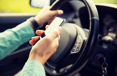 1 in 4 Irish drivers admit to using social media while driving