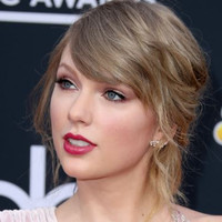 1 year on: Taylor Swift's fans clutch dollar bills in support of victims of sexual assault