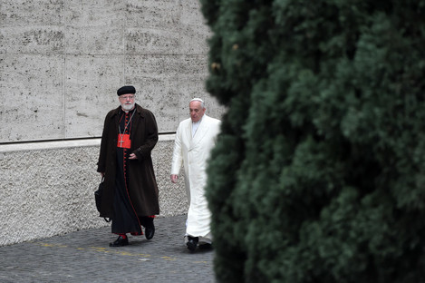 Pope Francis (R) and US Cardinal Sean O'Malley