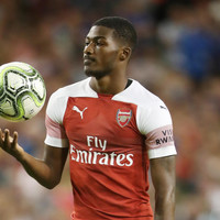 Arsenal midfielder suffers fracture to his leg